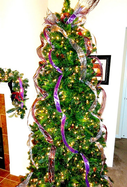 Vertical ribbon on christmas tree projects i need to do for Using ribbon on christmas tree