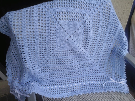 Free Crochet Patterns For Receiving Blankets : Crochet blue baby boy receiving blanket