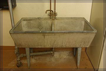 Concrete Laundry Sink Base : Concrete laundry tub, have it in basement, now just need to move it ...