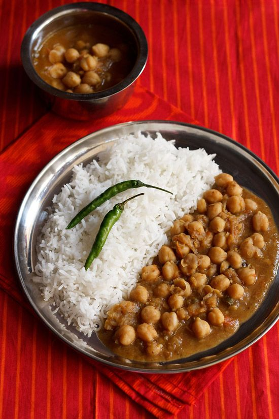 ... easy and lightly spiced version of chana or chole or chickpea curry