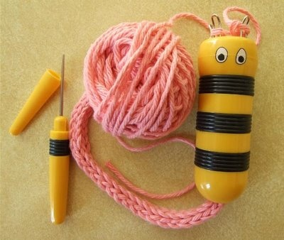 Bumble bee french knitter