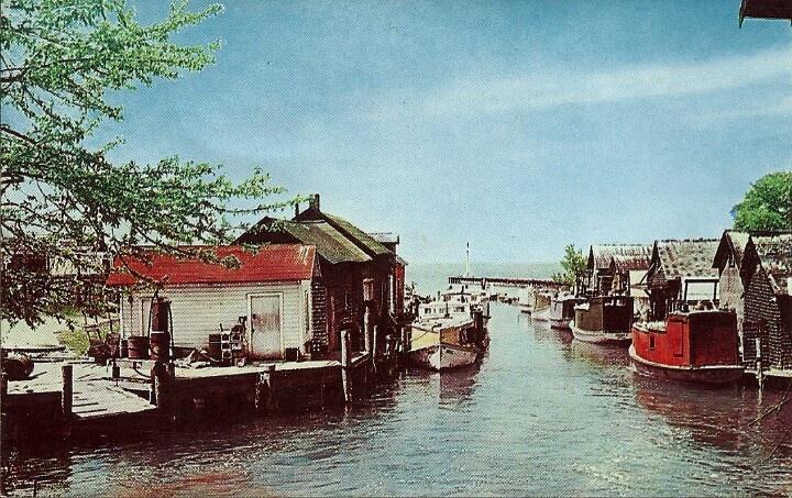 Historical photo of fishtown leland mi fishtown leland for Lake leelanau fishing