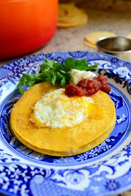 Huevo in the Hole! A corn tortilla version of egg-in-the-hole. So yummy for breakfast (or dinner!)