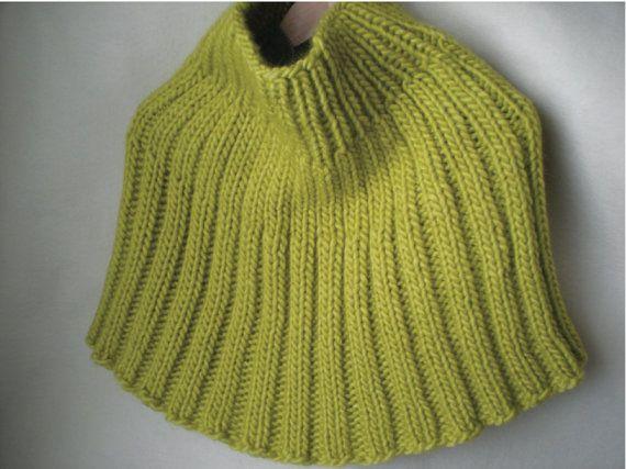 Knitted Capelet Pattern : Ribbed Capelet Pattern - Knitting Pattern - Chunky Knit - Knit Shrug