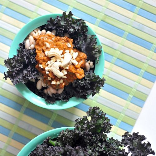 Spicy cashew soup in kale bowls | YUMMY | Pinterest