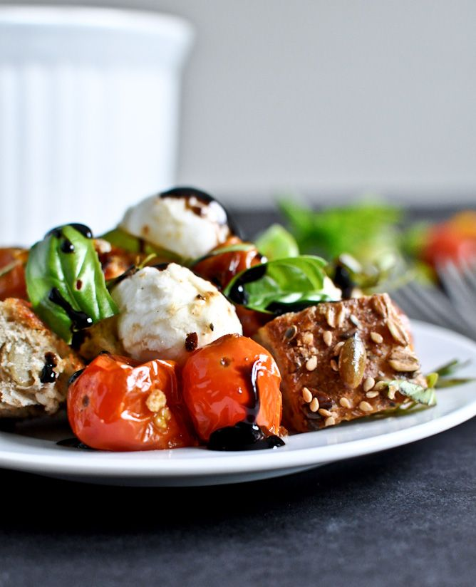Roasted Tomato Caprese Panzanella Salad-I want this now
