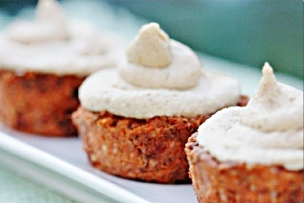 Raw Vegan Carrot Cake Cupcakes with Cream Cheese Frosting   One Green ...