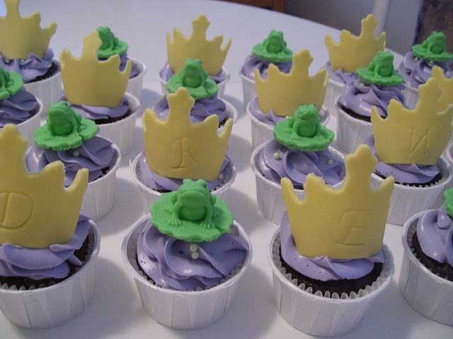 princess and the frog cupcakes - Google Search