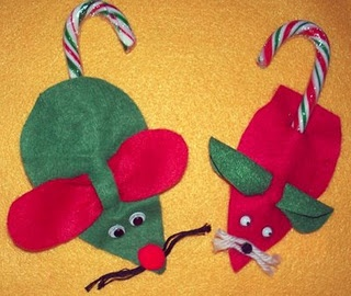 Felt mouse with candy cane candy canes