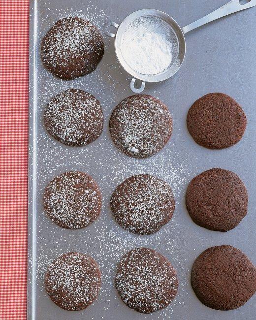 Chocolate-Molasses Cookies Recipe
