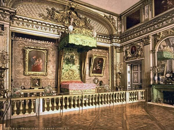 Louis xiv bedroom at versailles french history pinterest for Chambre louis xvi versailles