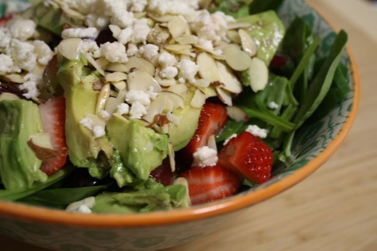 Spinach, strawberry, feta salad | Recipes To Try | Pinterest