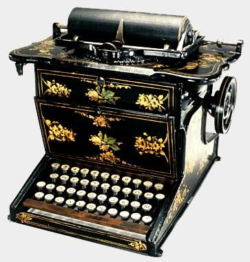 Early QWERTY keyboard typewriter  The first keyboards were arranged    Qwerty Keyboard Typewriter