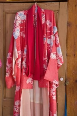found on ehow com How To Make A Silk Scarf