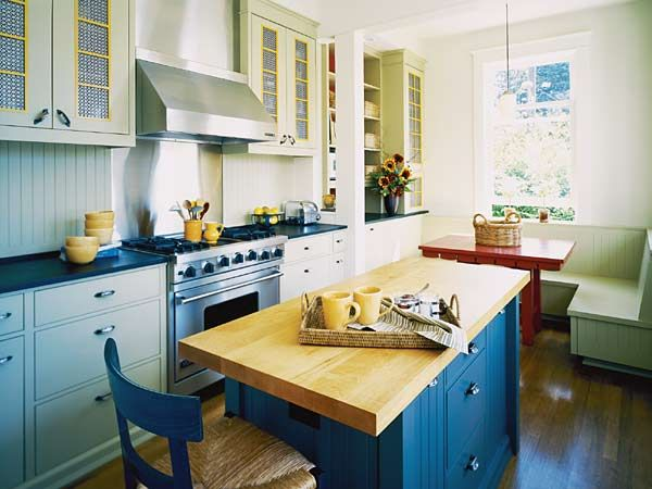 idea for our kitchent kitchen with a stainless steel hood over the