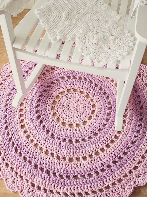 Crochet Mandala Rug - Free Pattern!
