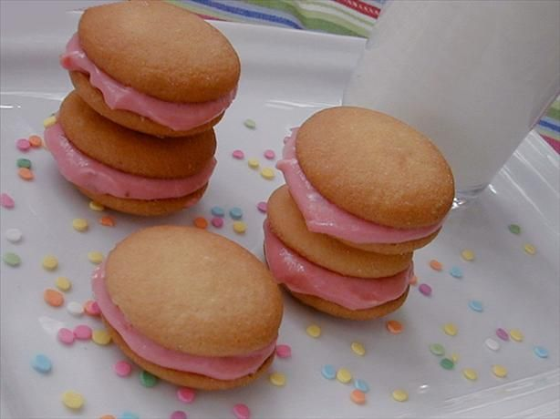 Strawberry and cream cheese sandwich cookies. I want to try these with ...