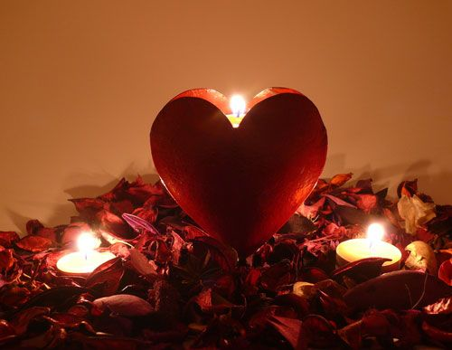 Romance in the dark 7 sexy ideas for a romantic evening Best candles for romantic night