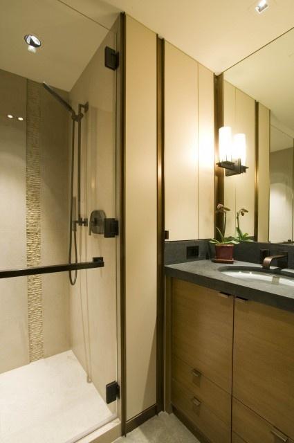 Vertical bathroom accent tile bathroom tile and design for Bathroom accent tile ideas