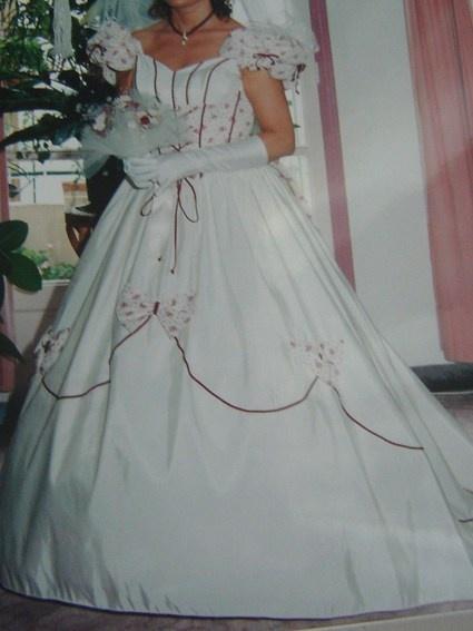 Robe de mariée écru/bordeaux