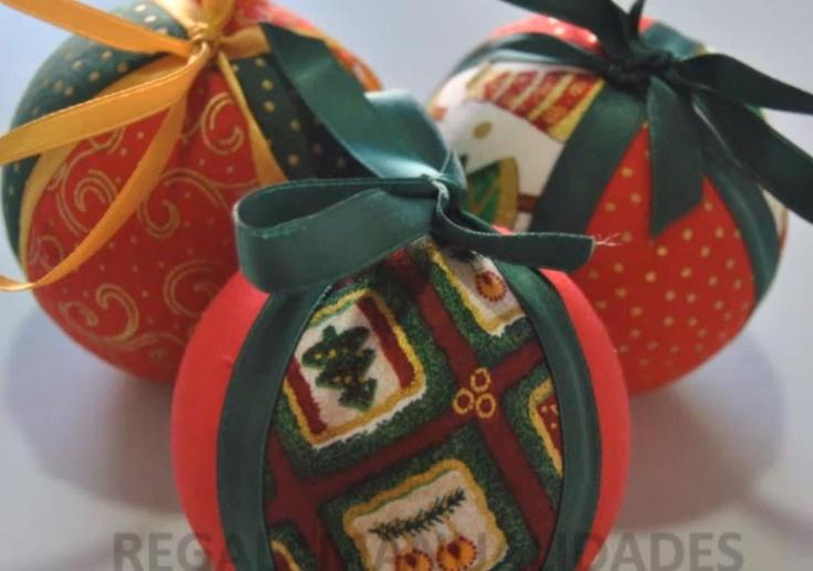Bolas de navidad con  poliespán