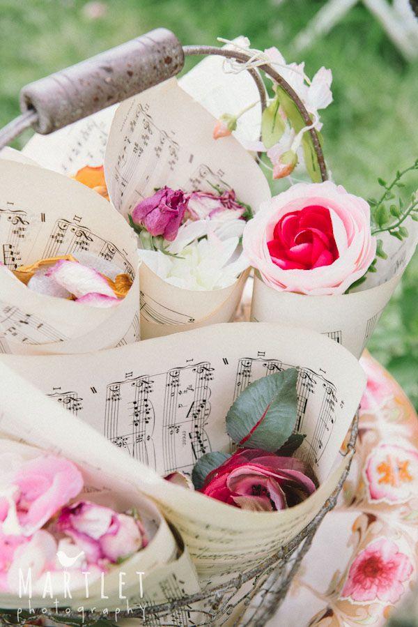 Communication on this topic: 10 Giant Wedding Wreaths: The Hottest Wedding , 10-giant-wedding-wreaths-the-hottest-wedding/