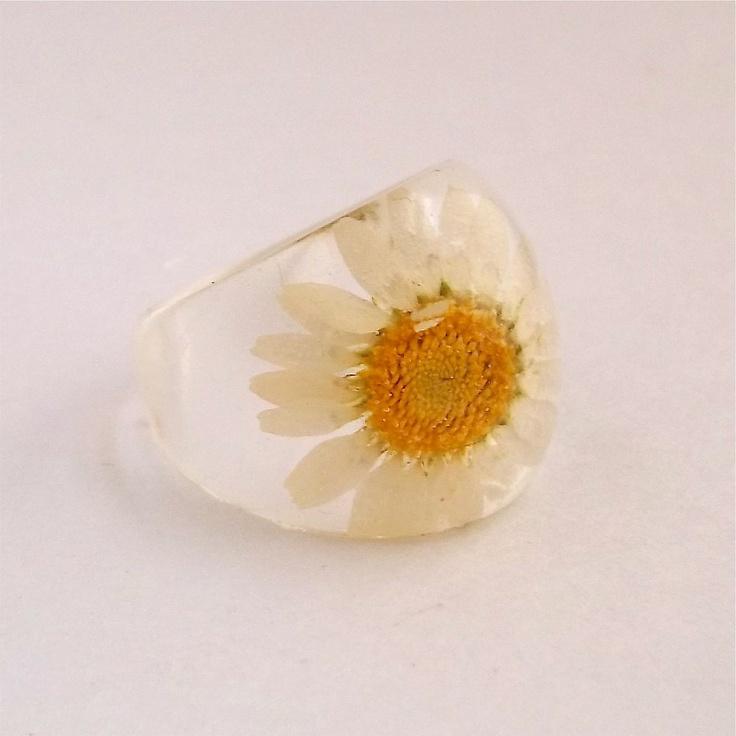 Daisy Resin Ring.