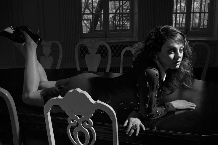 Mila Kunis: That '60s Girl - Mila Kunis Erdem