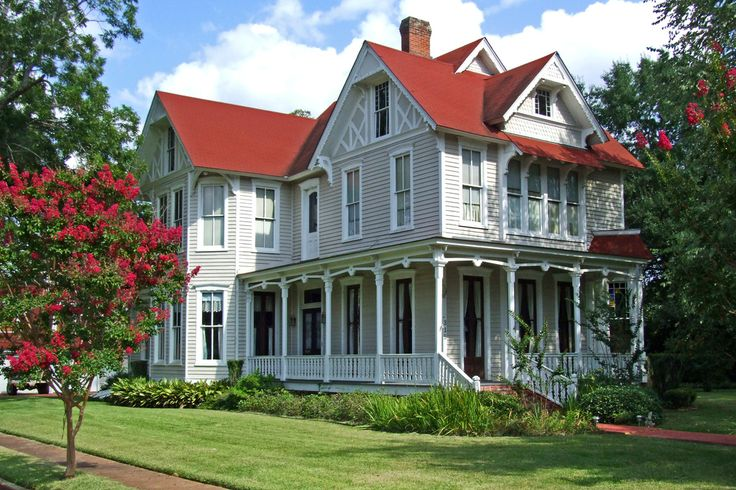 Porches and Red Roof and house color | home inspiration | Pinterest