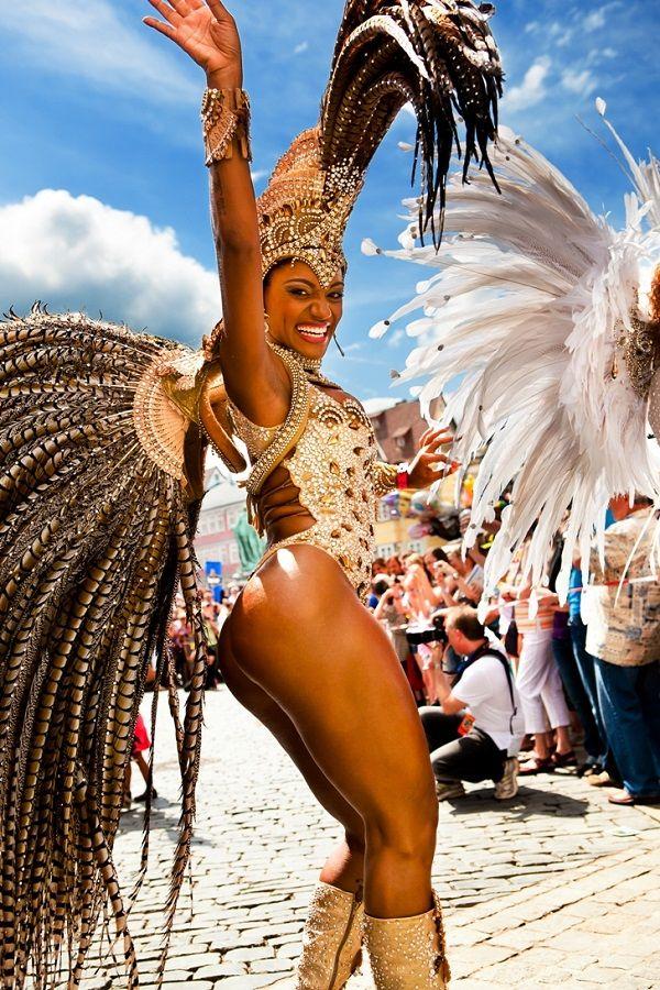 Секс на бразильском карнавале порно версия известного ежегодного карнавала