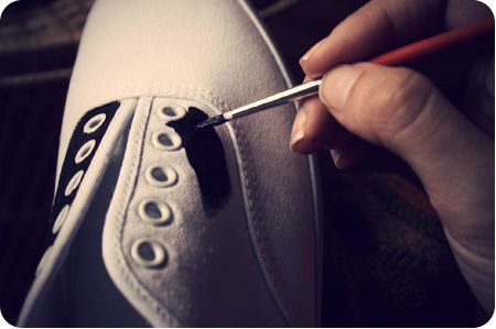 D.I.Y SADDLE SHOES...give some inexpensive keds or white canvas sneakers the adorable look of old fashioned saddle shoes! Such a quirky fun idea.