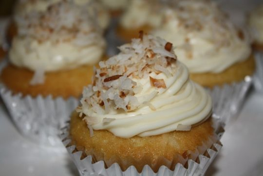 ... cream cream cheese frosting coconut cupcakes with coconut cream cheese