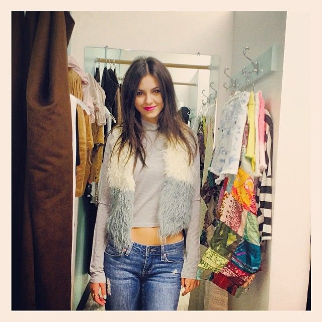Victoria Justice No Shirt Or Bra On