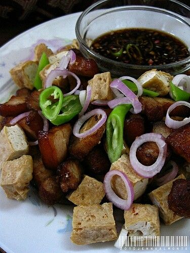 . It usually includes pork ears, pork belly and deep-fried tofu ...