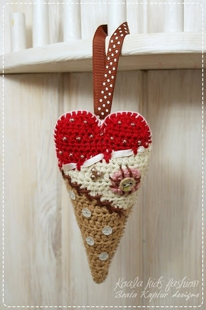 Scrappy crochet heart