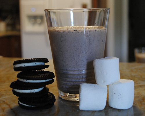 Toasted Marshmallow Cookies And Cream Milkshake Recipe ...