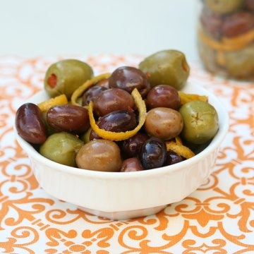 Citrus-Marinated Olives [video] | Appetizers & Snacks | Pinterest