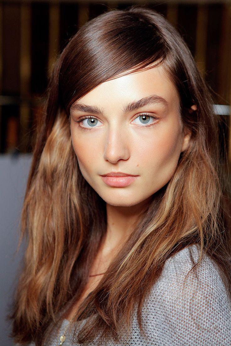 Естественный макияж для темных волос