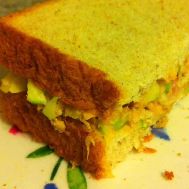 Tuna Salad (with Green Apple) Sandwich Only 275 calories and 5.8g of ...