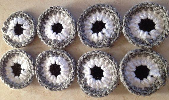 Crochet minion eyes (8) on Etsy, 6,00 ? My handmade items ...