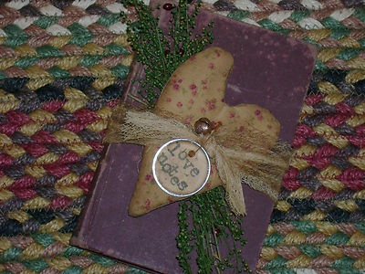 Primitive Valentine Love Notes Book