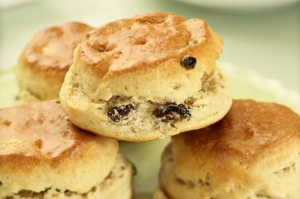 Traditional Irish Raisin Scone Recipe | Things For Doug | Pinterest