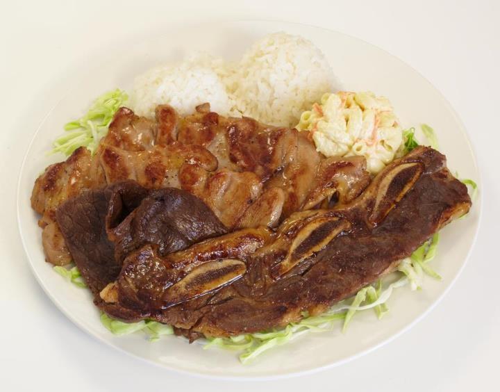 Hawaiian-style BBQ mixed plate -- featuring BBQ beef short ribs ...