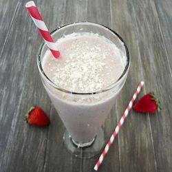 Strawberry Milkshake (Vegan) using almond milk and cashews