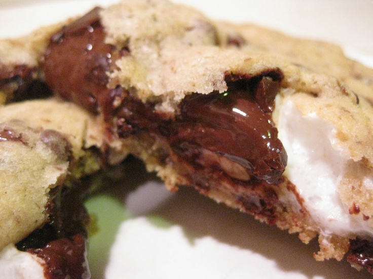 The Chubby Vegan: S'mores Stuffed Chocolate Chip Cookies *I'd have to...