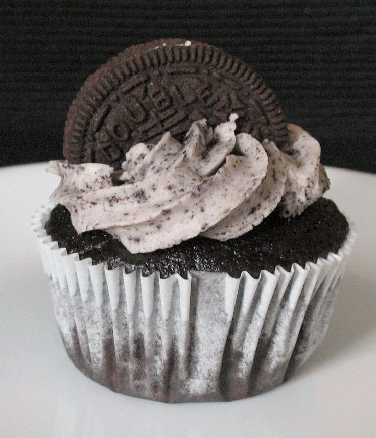Oreo Cupcake recipe... I have these in the oven right now!! HOWEVER ...