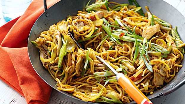 products spicy singapore chicken noodles