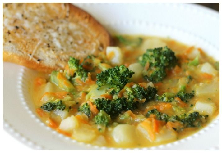 Soips, soups, and more soups!!!! Crock pot cheesy vegetable chowder