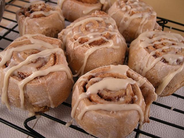 Whole-Wheat, Fat-Free Vegan Cinnamon Buns