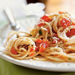 Spaghetti with Tomato Sauce...simple & classic.